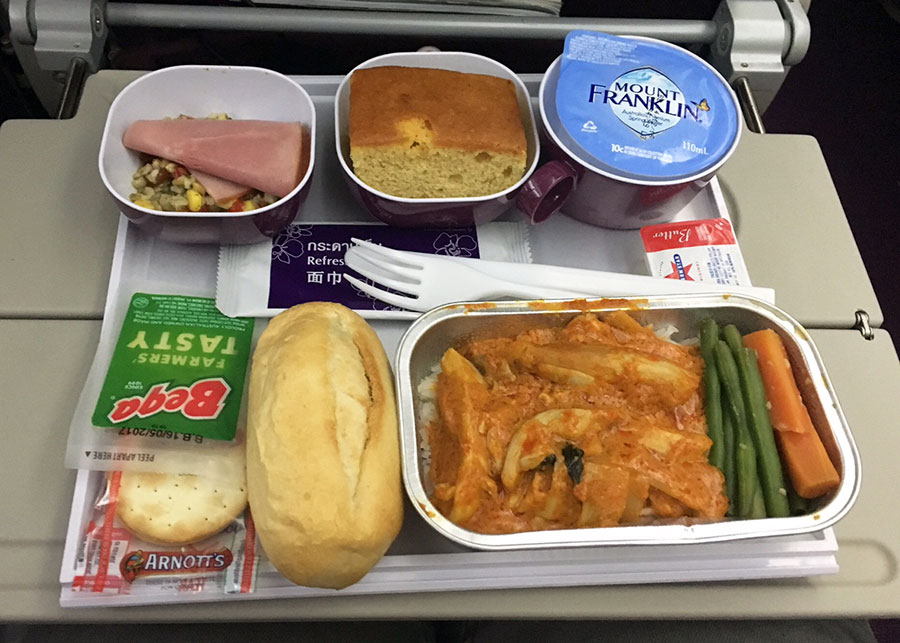 Airline review thai 787 dreamliner economy class repeat for Air thai cuisine